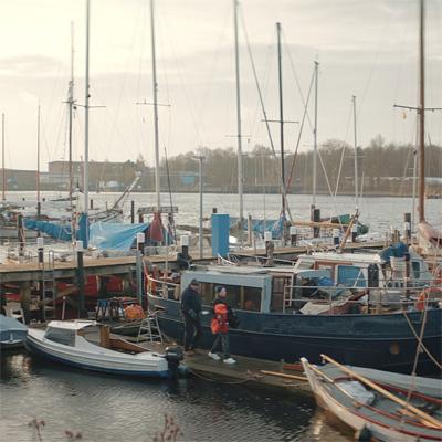 Feine Sahne Fischfilet - Warten auf das Meer (Official Video)