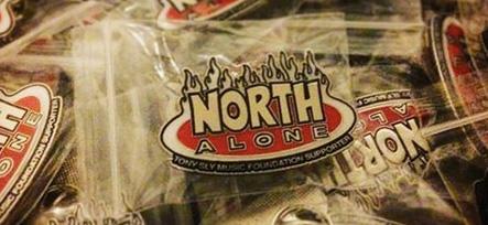North Alone Pin als Spende für die Tony-Sly-Foundation-For-Kids